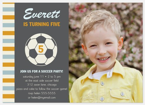 Soccer Ace Kids' Birthday Invitations